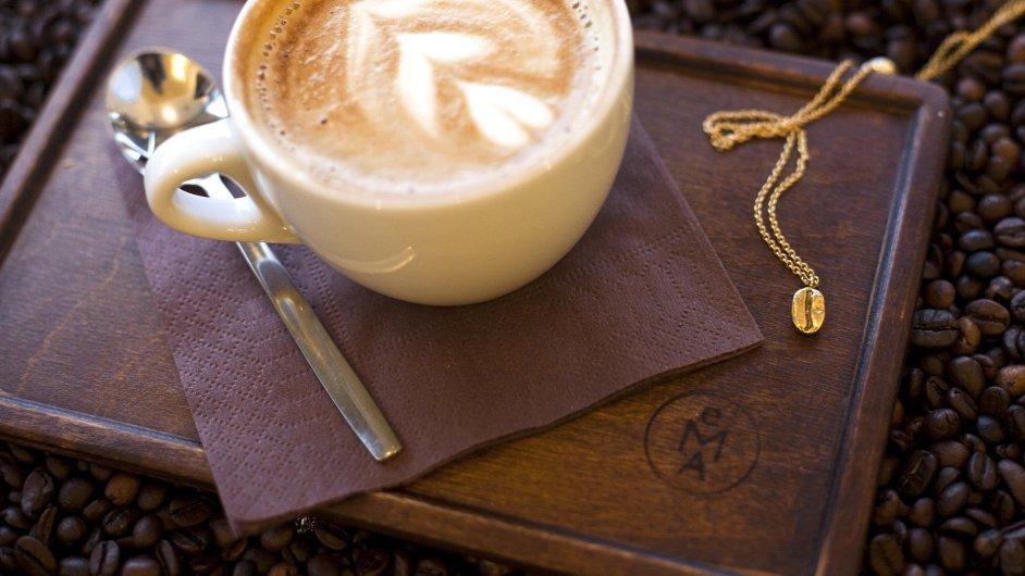 Zlatý řetízek s přívěskem z kolekce Kaa-wa