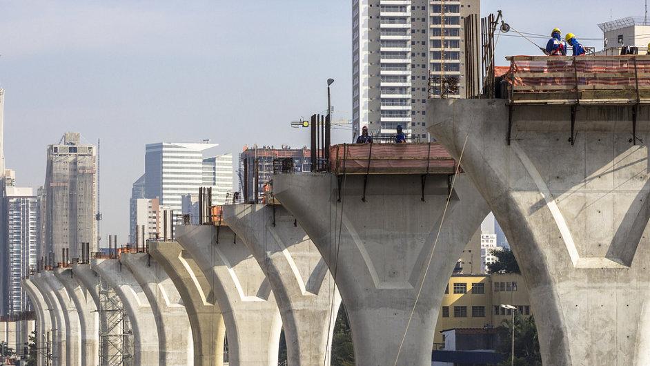 Stavba železnice v Sao Paulu v Brazílii (ilustrační foto)