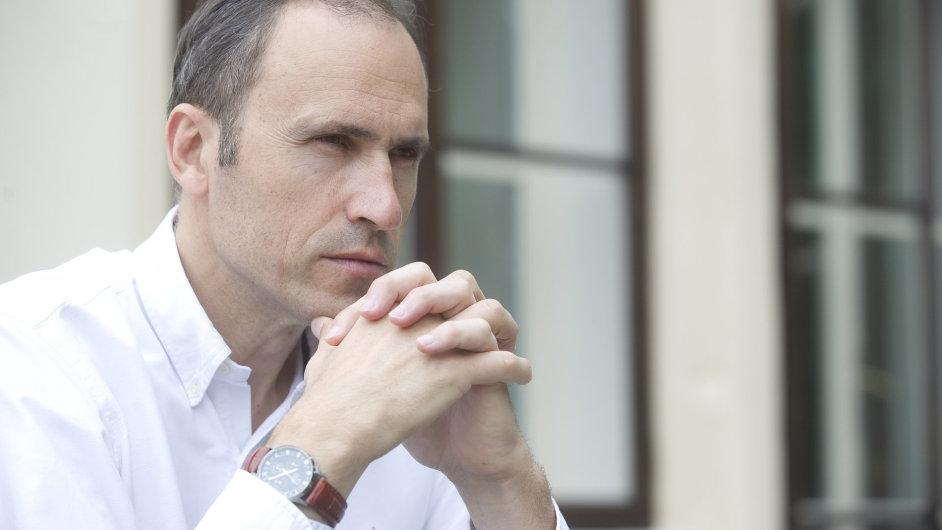 Někdejší vrcholový politik Ivan Pilip prožil krach, teď se věnuje poradenství při žádostech o dotace.