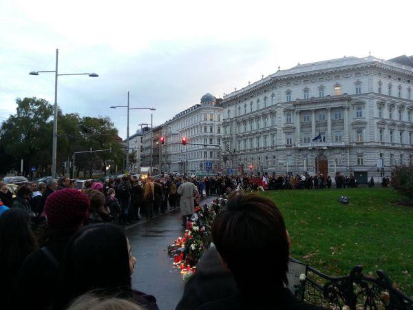 Demonstrace proti teroristickým útokům ve Vídni.