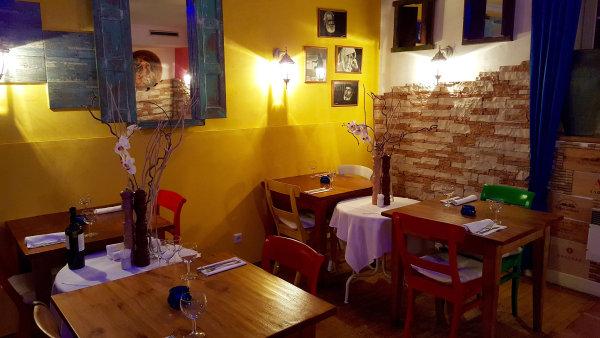 Dejvická Kavala seproslavila vytříbenou podobou řecké kuchyně.