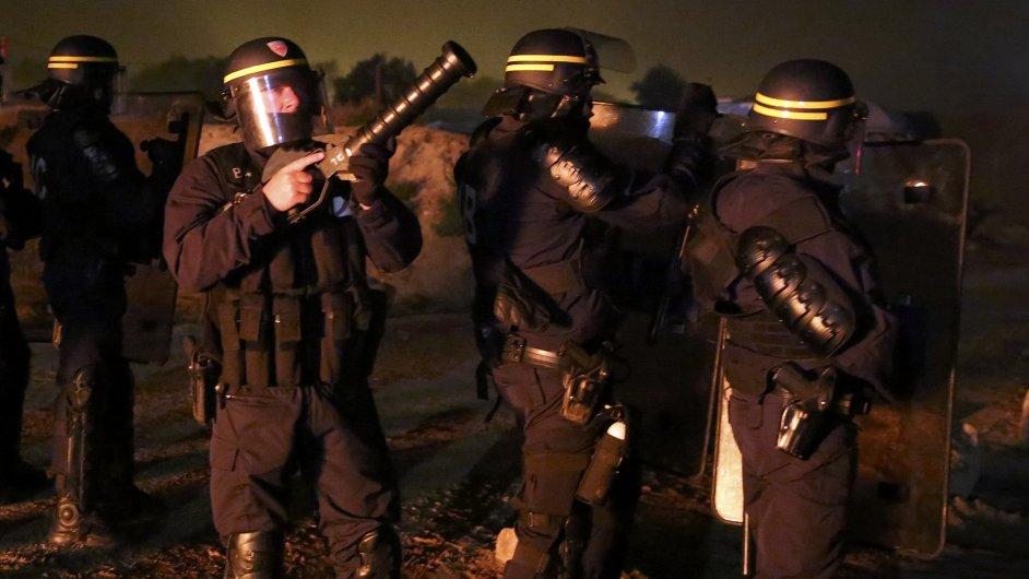 Vyklízení tábora v Calais
