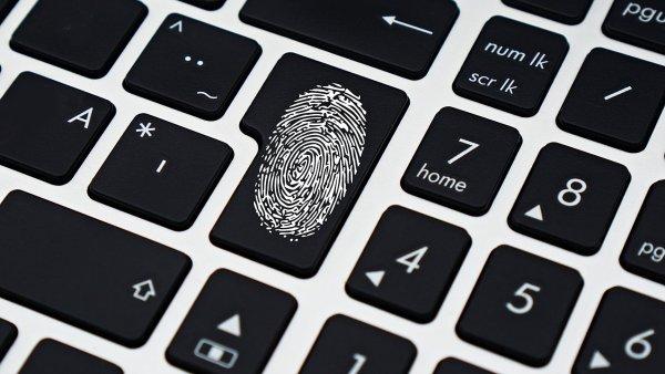 Nejen na Čechy se valí nová smršť s mnoha důsledky pro firmy i lidi samotné - nové evropské nařízení o ochraně osobních údajů.