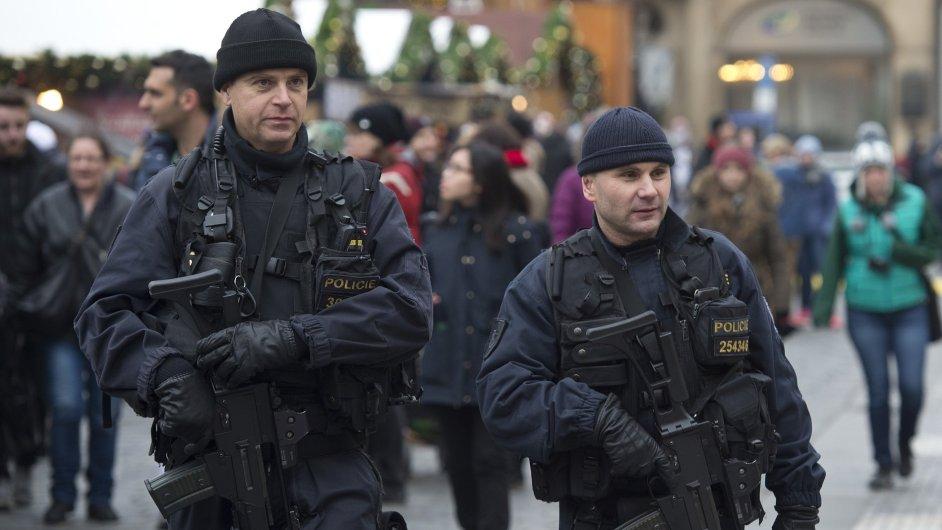 1220CR NEMECKO POLICIE TERORISMUS 816