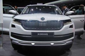 Škoda v Ženevě představila modernizované vozy, nový Kodiaq Scout v interiéru imituje dřevo