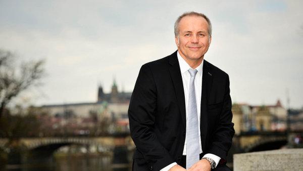 Pavel Sehnal ovládá skupinu SPGroup z kanceláří na Masarykově nábřeží naproti žofínskému paláci v Praze.