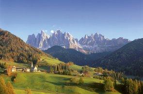 Víno, šunka i kaštany provoní na podzim Jižní Tyrolsko. Cyklistům se zcela otevře horská cesta