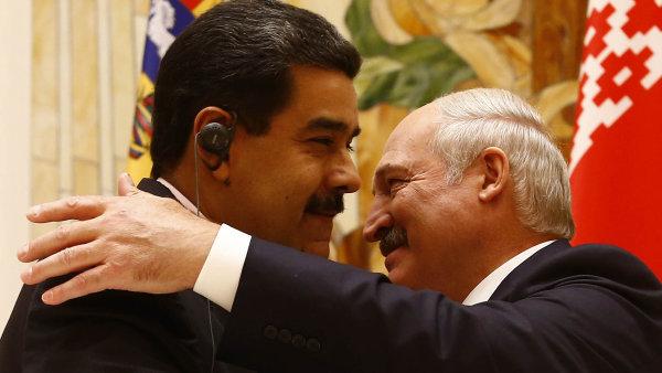 Maduro a Lukašenko. Tak (geograficky) vzdálení – a přitom jsou si tak blízcí.