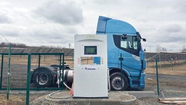 Firma Spolgas začala letos zkoušet nákladní auta na LNG.