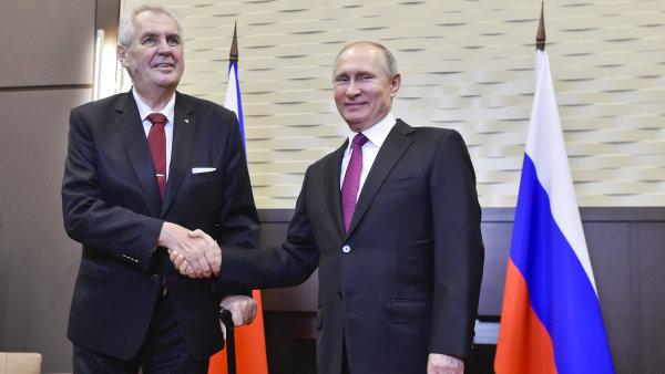 Zeman se v Soči sešel s Putinem. Díky českému prezidentovi se ekonomická spolupráce s Ruskem prohlubuje, ocenil ho ruský protějšek