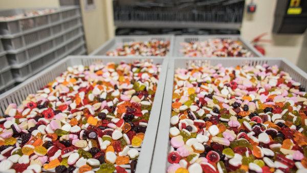 Ročně se v Holešově vyrobí přes 165 milionů bonbonů Bon Pari.
