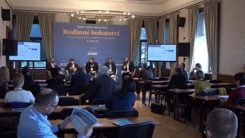 Konference_Hospodarskych_novin_na_tema_Rodinne_bohatstvi.jpg