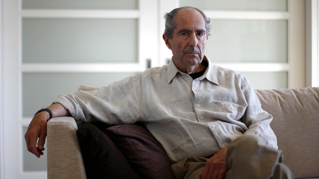 Dvaaosmdesátiletý Philip Roth patří k nejoceňovanějším autorům