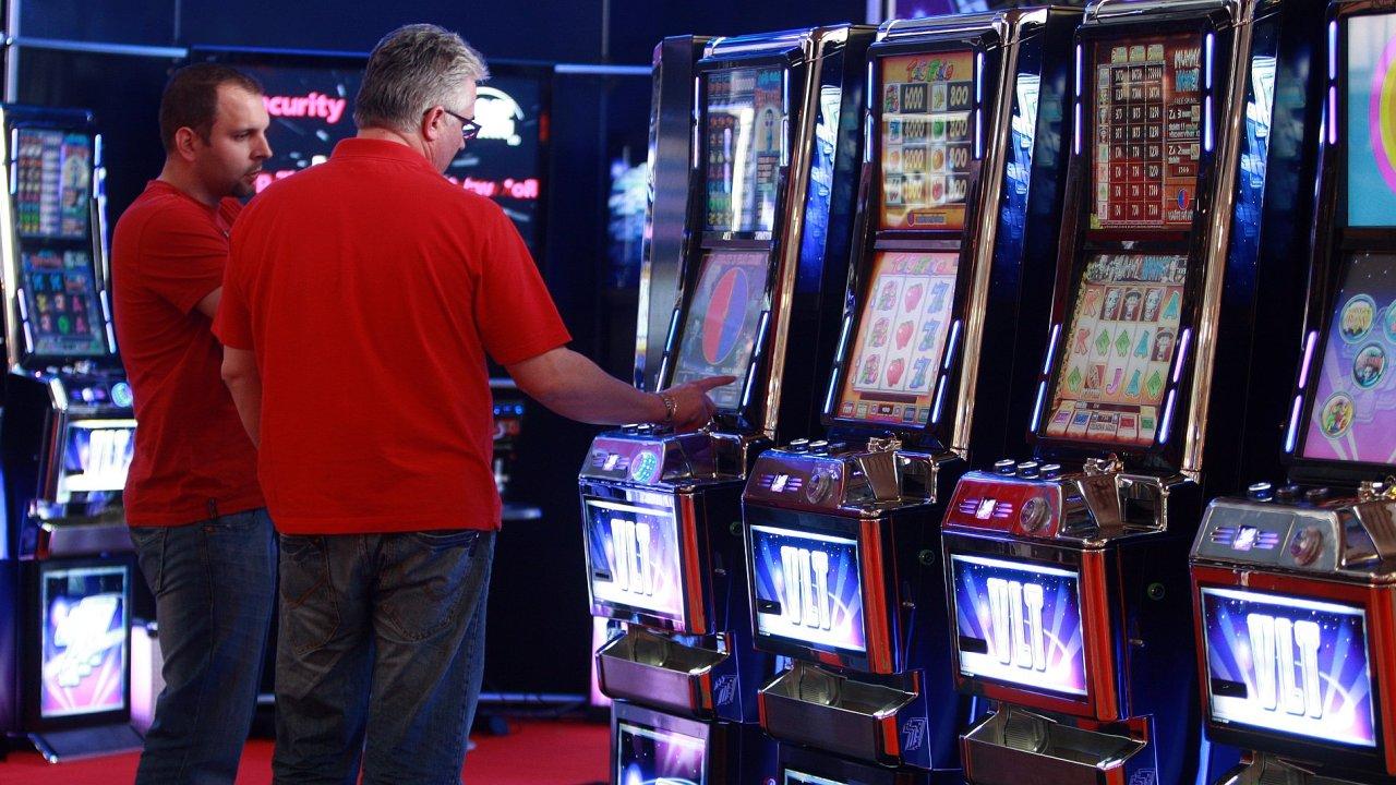 Kolize hazardních přístrojů se sousedstvím jen v Brně týká stovek heren a hospod a tisíců hazardních přístrojů.