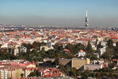 Praha má ohromný potenciál, ale chybí jí vize, míní burzovní makléři Jan Sýkora a Jiří Hrbáček z Wood & Company.