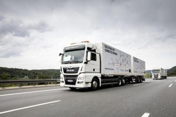 Kamiony MAN společnosti DB Schenker vyzkoušeli poprvé v praxi Platooning