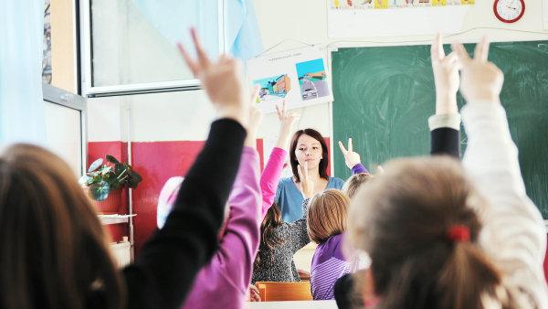 Čeští žáci se od roku 2015 zlepšili ve čtenářství, matematice a přírodovědě - Ilustrační foto.