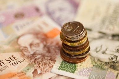 Tímto způsobem ponechaly dlužníkům načas likviditu celkem za deset miliard korun.