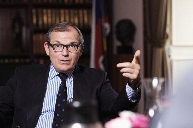 Jiří Šedivý je bývalý náměstek generálního tajemníka NATO a český velvyslanec v alianci.