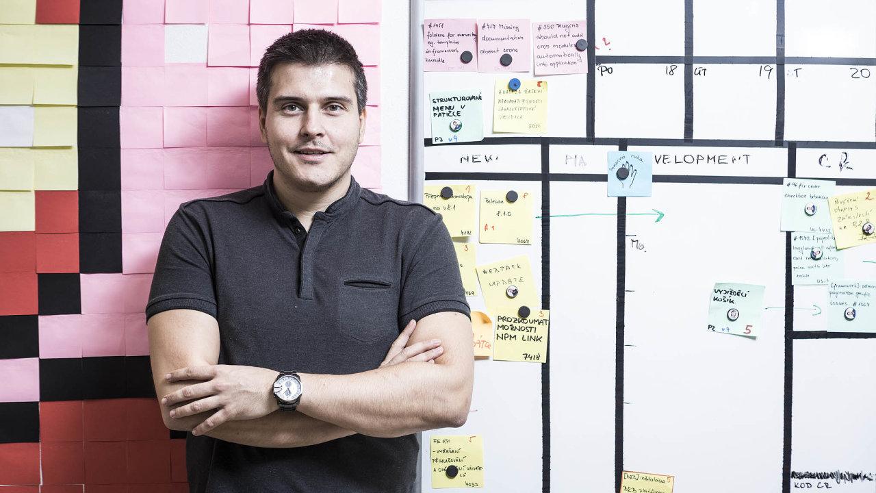 Odalším vývoji internetových obchodů vdebatě HN diskutoval výkonný ředitel předního vývojáře e-shopů Shopsys Lukáš Havlásek.