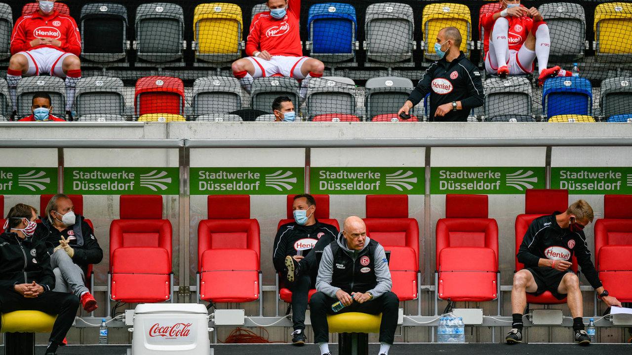 Tak to vypadalo při sobotním bundesligovém zápase Fortuna Düsseldorf– SC Paderborn.