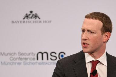 Šéf Facebooku Mark Zuckerberg hovoří na každoroční bezpečnostní konferenci v Mnichově, 15. února 2020.