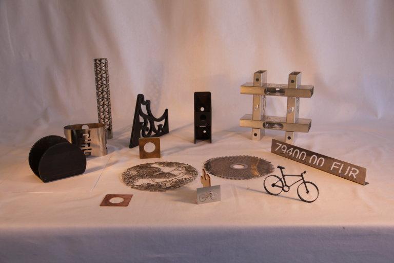 Lasery řežou kovy ultratenké i tlusté, pro vagónky i šperkaře