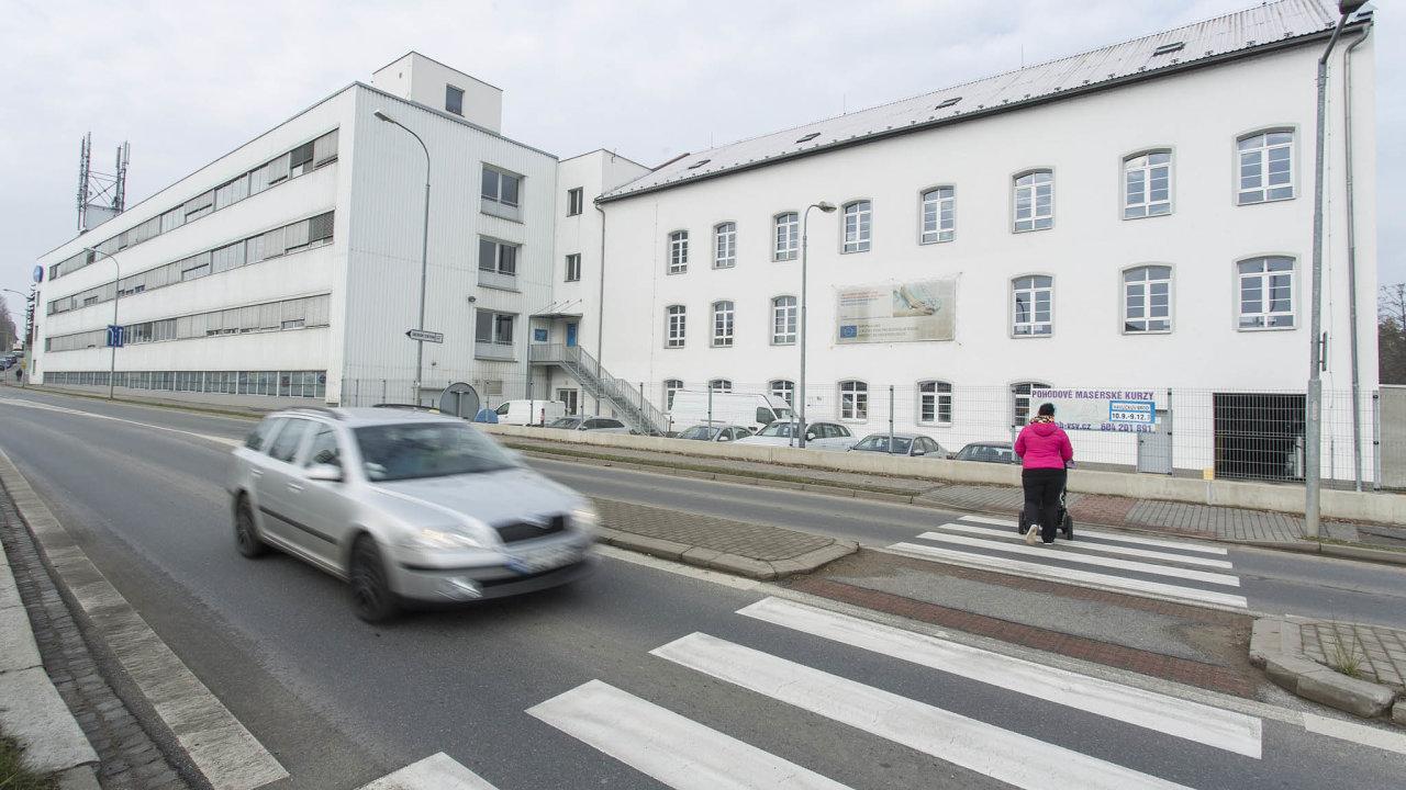 Závod firmy Hartmann– Rico v Havlíčkově Brodě, kde se měly vyrábět ústenky arespirátory nadvou nových linkách. Ty ale nakonec skončily vNěmecku.