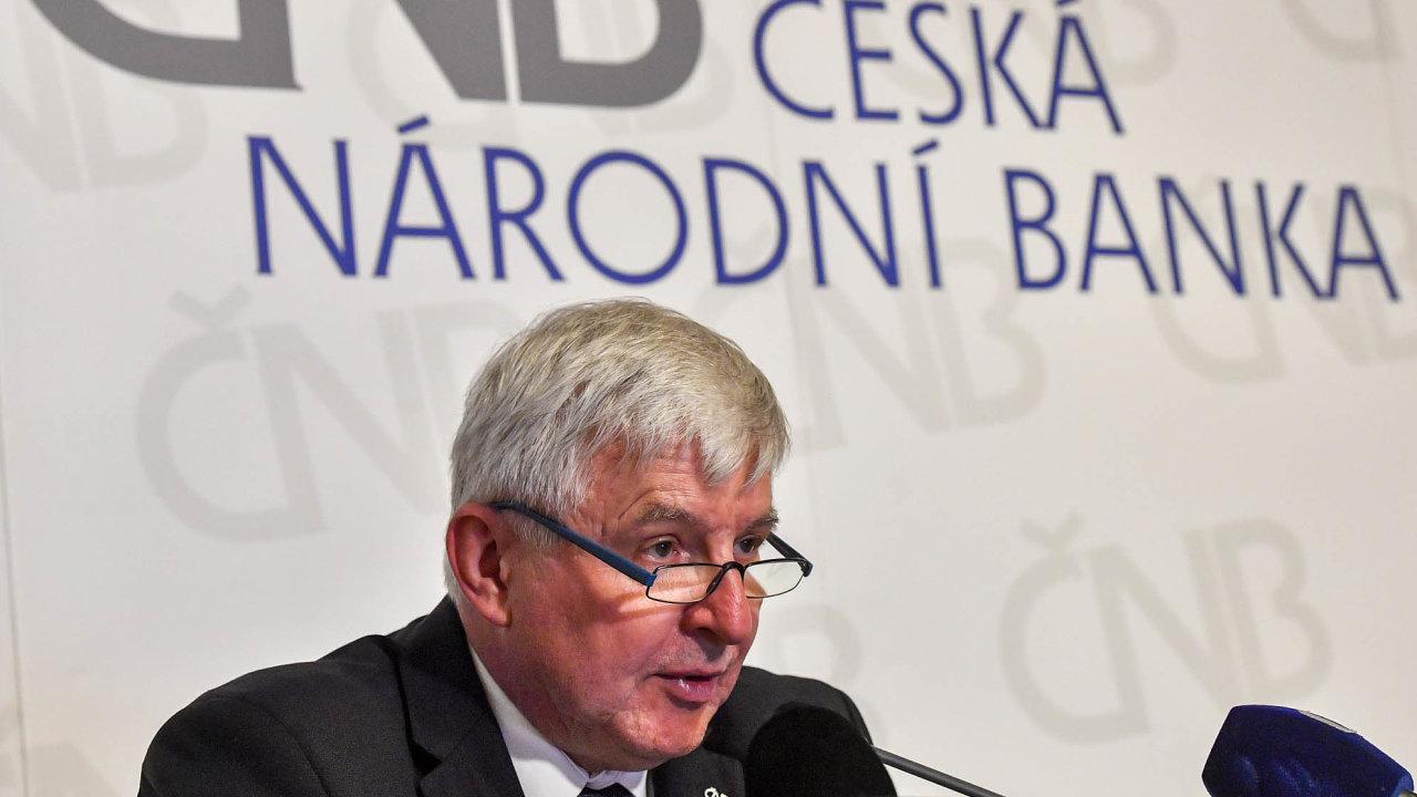 Guvernér ČNB Jiří Rusnok minulý týden natiskové konferenci řekl, že podle stávající prognózy očekává, že úrokové sazby natrhu zatím zůstanou stabilní avprůběhu roku budou postupně růst.