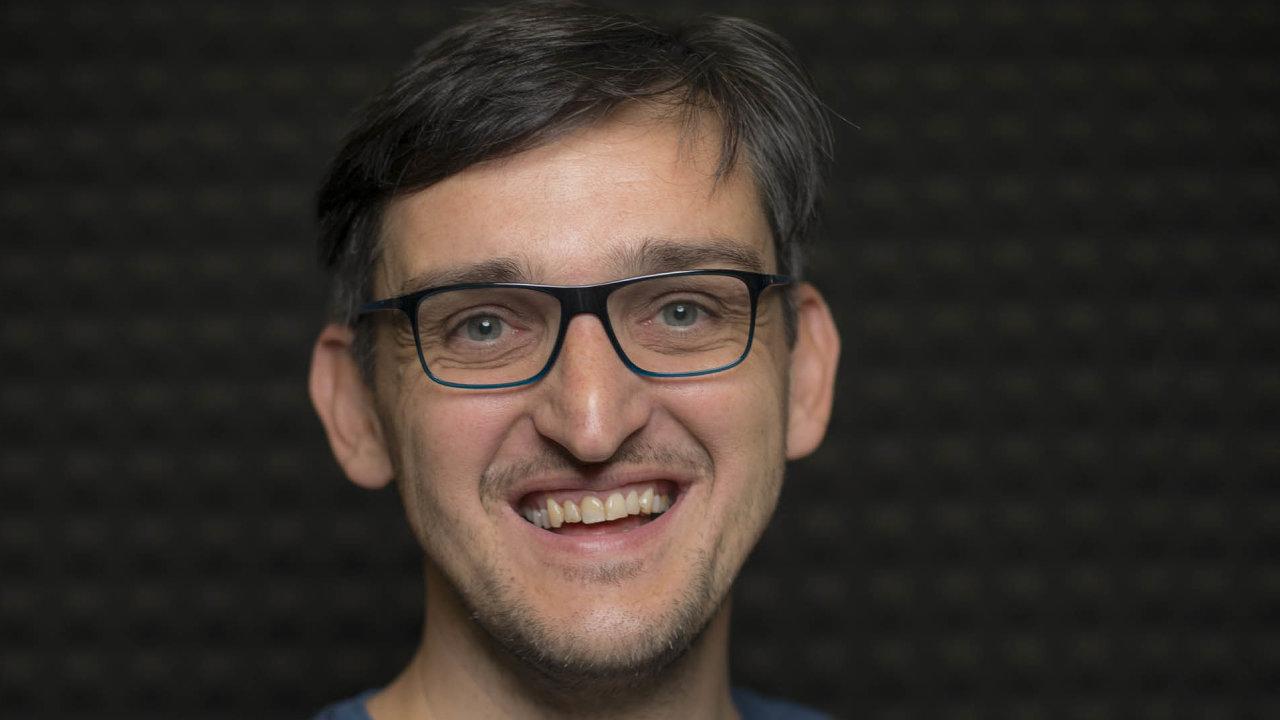 Omiliardovém byznysu smobily anešťastných investicích mluvil Kamil Vacek vpodcastu Poprvé.
