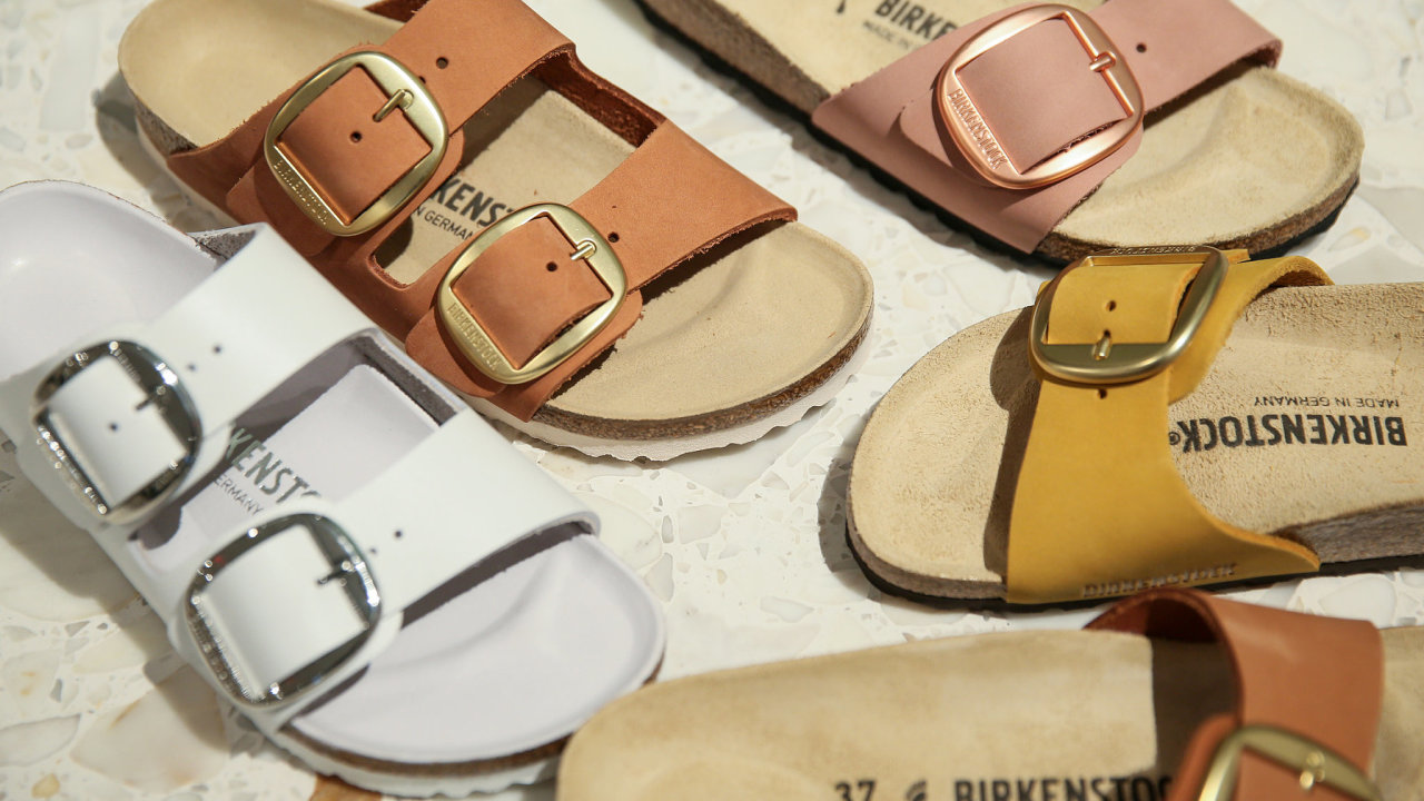Birkenstock je značkou s tradicí už od roku 1774. V roce 1897 vyrobil Konrad Birkenstock obuv přizpůsobenou tvaru chodidel. Nyní firma ročně vyrábí přes 20 milionů párů bot, hlavně sandálů a pantoflí.
