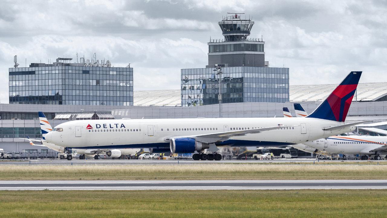 Delta, Praha, letiště
