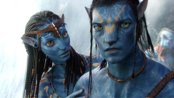 "Vojak Jake Sully a ""mimozemšťanka"" Neytiri zachránili milovanú krajinu. Snímka: Bonton film"