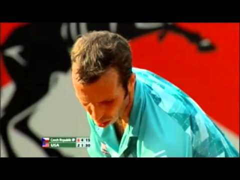 Radek_Stepanek_-_pocket_trick_