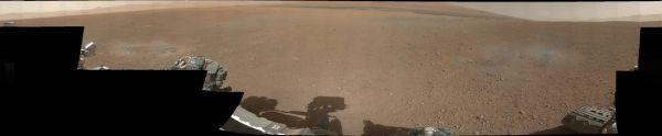 První barevný snímek Marsu z Curiosity