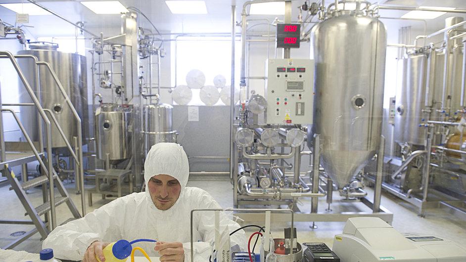 Poblíž Ústí nad Orlicí vyrábí Contipro kyselinu hyaluronovou neboli hyaluronan, látku podporující hojení ran a surovinu pro výrobce kosmetiky a léčiv.