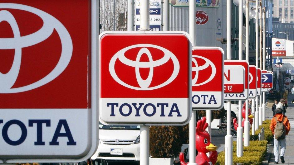 Automobilka Toyota se vrací na vrchol.