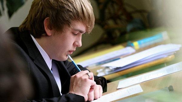 Maturanti se letos mírně zlepšili, na gymnáziích ale propadlo víc žáků - Ilustrační foto.