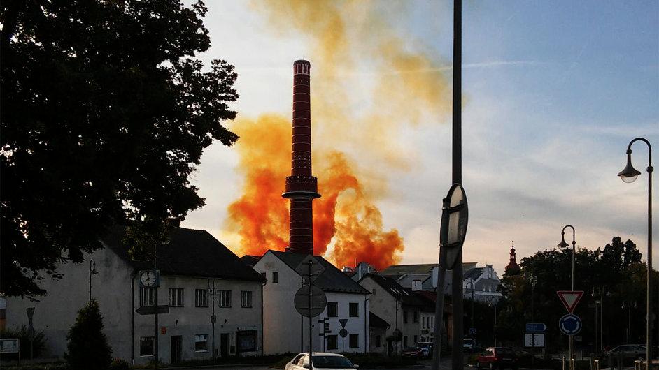 Výbuch v areálu cukrovaru a lihovaru v Dobrovici na Mladoboleslavsku