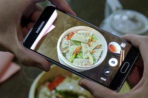 Galaxy A5 je nejlep�� telefon Samsungu ve st�edn� t��d�, i d�ky vzhledu S6