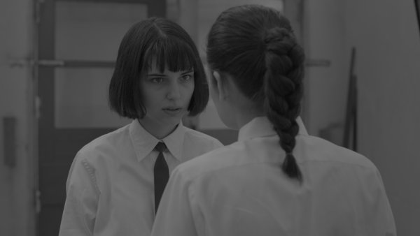 Na sn�mku z filmu J�, Olga Hepnarov� here�ky Michalina Olsza�ska a Marika �oposk�.