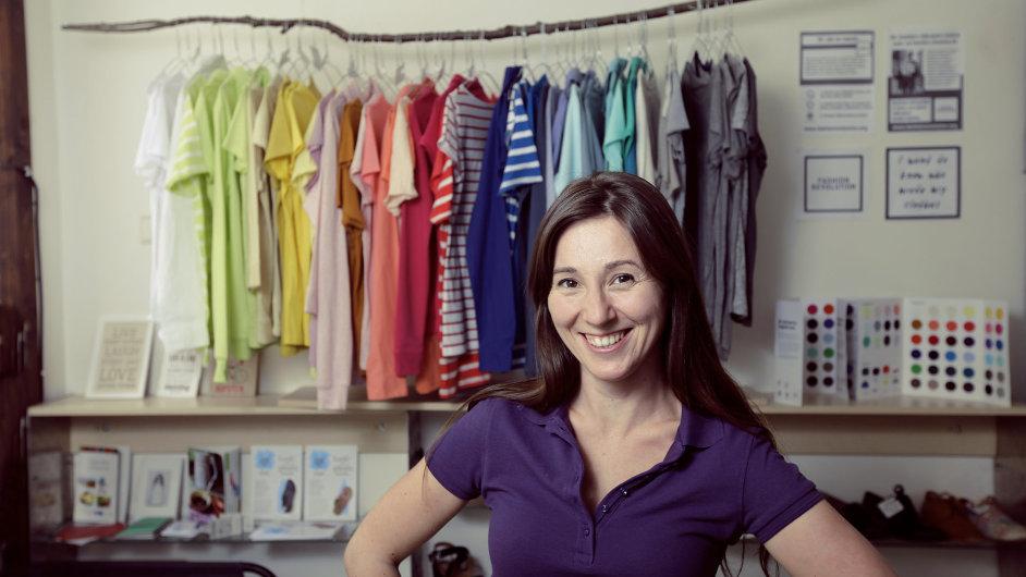 fdee6b9ba1953 EtikButik je první obchod s etickou a veganskou módou. Lidem ukazuje  alternativy s ohledem na planetu