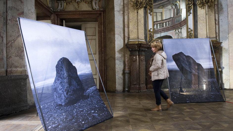 Snímek z výstavy Aleny Kotzmannové