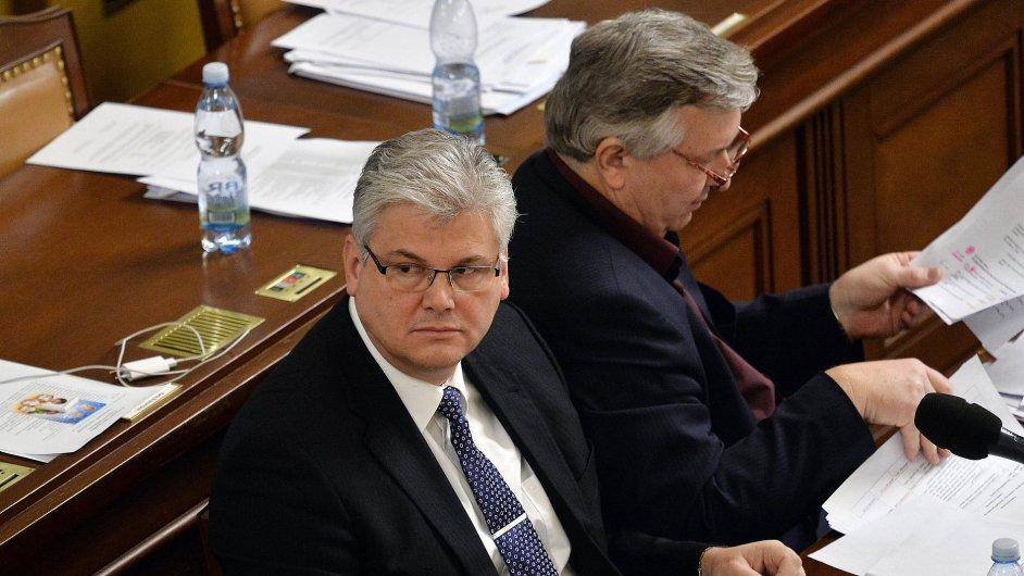 Ministr zdravotnictví Miloslav Ludvík a poslanec za ČSSD Jaroslav Krákora.