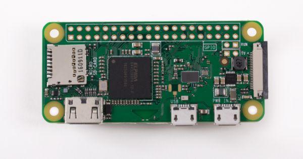 raspberry pi zero wireless na oficiálním snímku