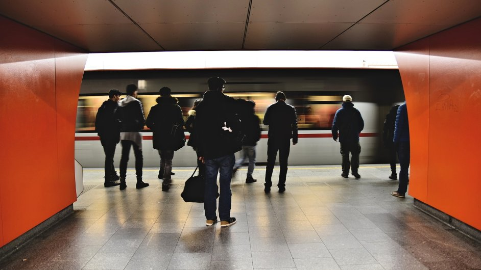 Pražský programátorský Hackathon vyhrál tým s návrhem na zrychlení provozu metra