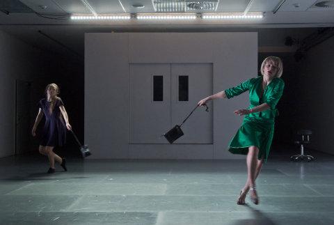 Na snímku je zkouška představení Navždy spolu! v pražském Centru současného umění DOX.