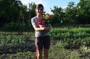 Čeští zahradníci se vrací, prodeje květin trhají rekordy. Byznys jim ale komplikuje zákaz prodeje o svátcích