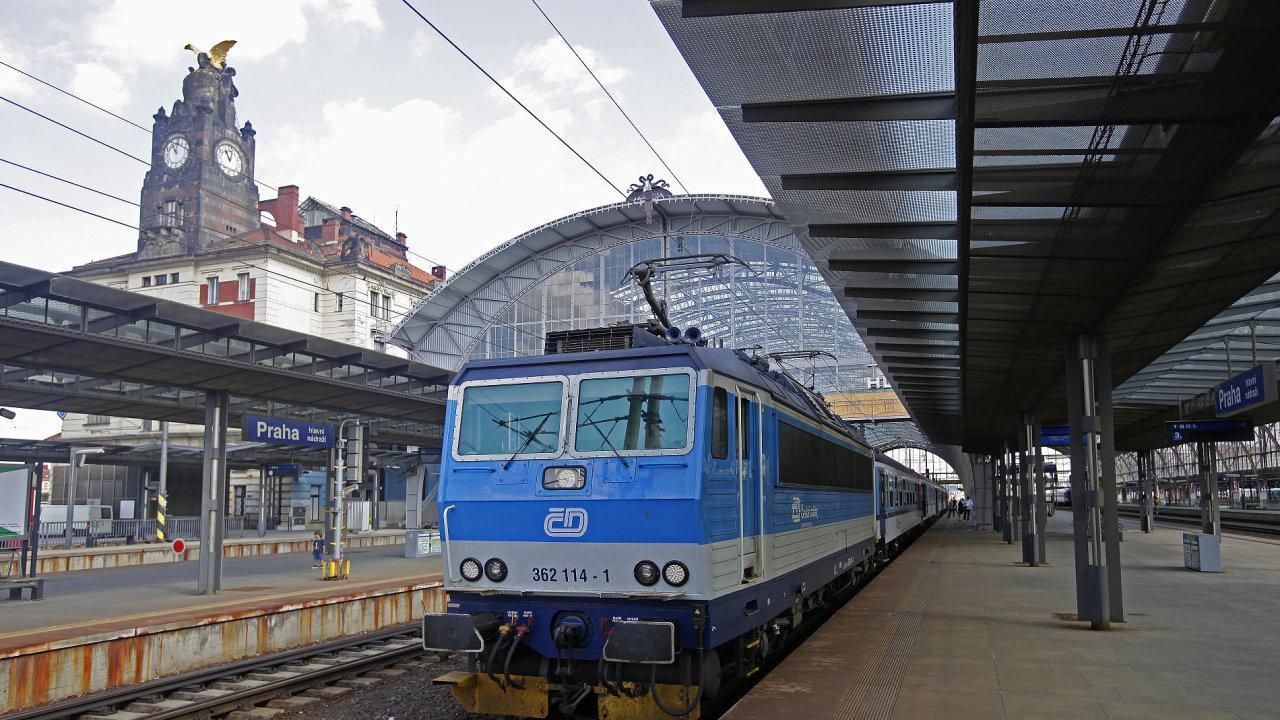 nádraží, vlak, české dráhy