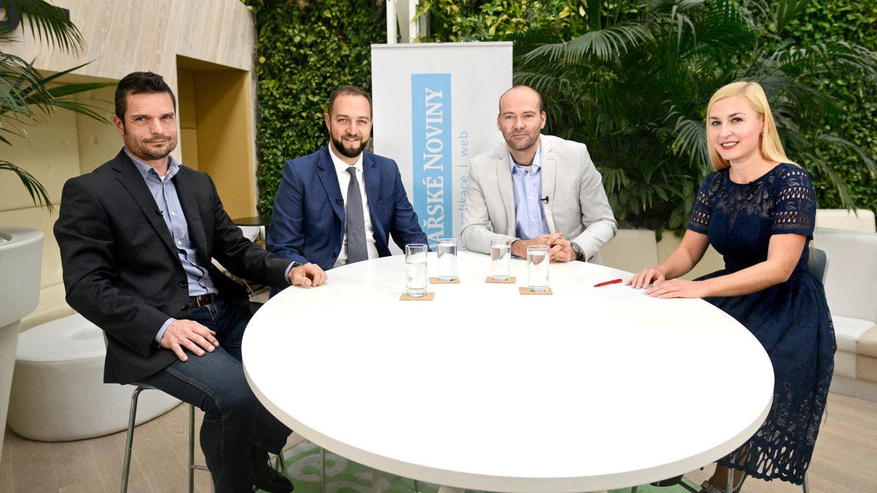Zleva David Barva ze společnosti Siemens ČR, Alexander Bellu, zastupitel a místostarosta Prahy 3, a Jan Edlman ze Škoda Auto DigiLab. Moderovala Jana Niedermeierová.